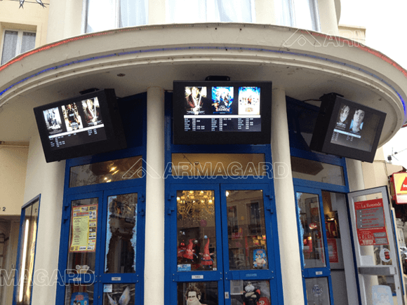 Armagard Outdoor Digital Signage im Kino