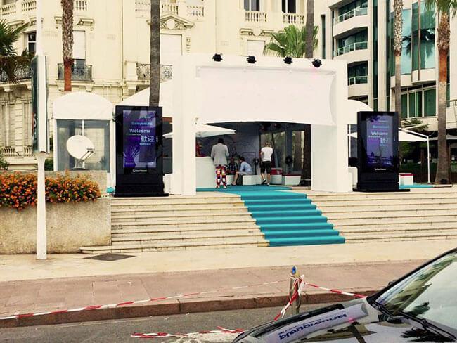 3 kreative Wege LCD Digital Signage Schutzgehäuse