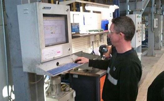 Computer in der Fabrikproduktion