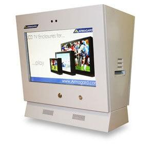 Ein LCD Schutzgehäuse als Sonderanfertigung für eine Tankstelle